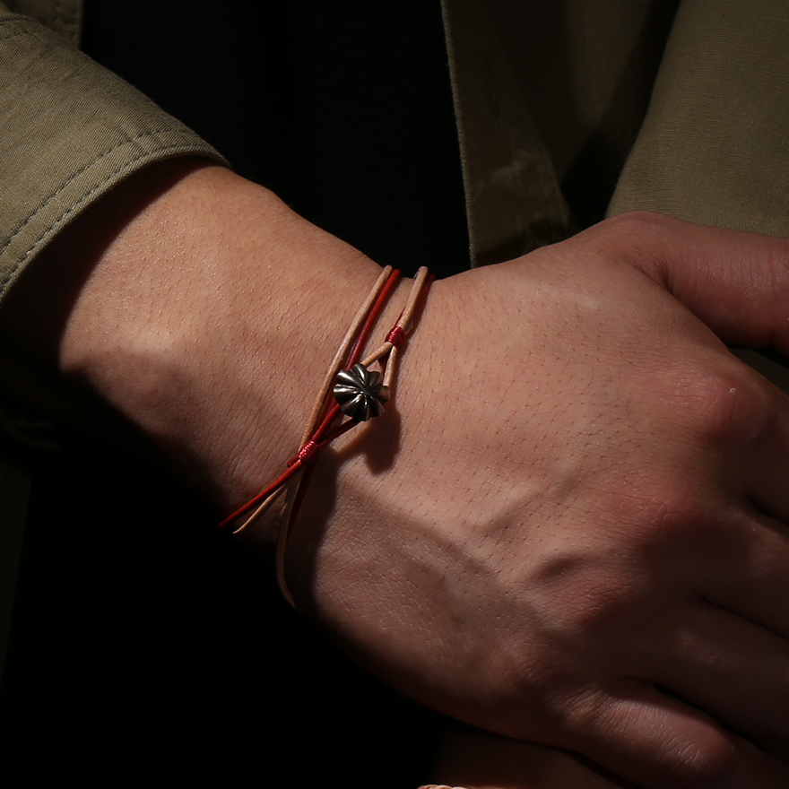 Small Concho Leather Bracelet - Natural&Red