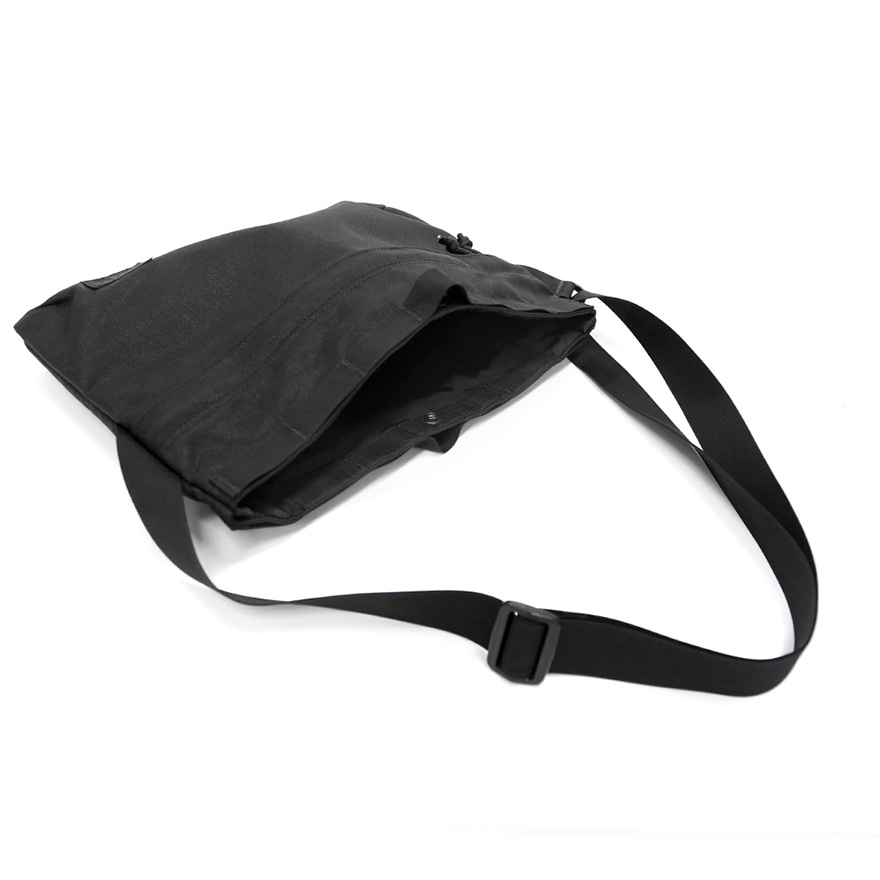 Padded Shoulder Bag - Balck