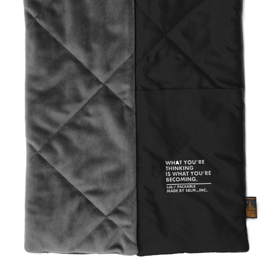 Pocket Velour Muffler - Black